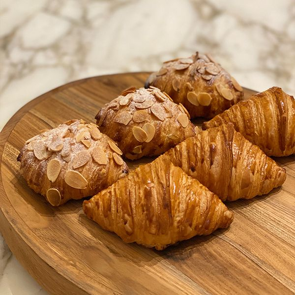 PACK OF 12 - ASSORTED VIENNOISERIE & PASTRIES