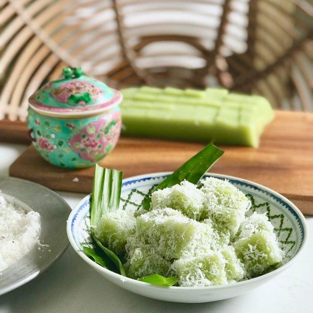 Pandan Kueh Koh Swee (4 pieces)