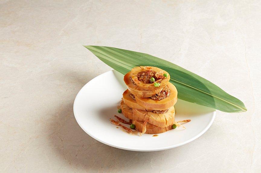 糯米酿鲜竹笋 Bamboo Shoot stuffed with Glutinous Rice, Sakura Shrimp and Shiitake Mushroom